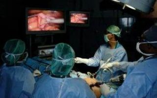 Можно ли делать полостную операцию во время месячных