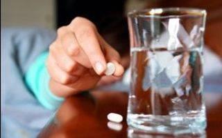 Боль в горле при глотании: острая и сильная