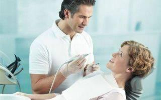 Можно ли вырывать и лечить зубы при месячных?