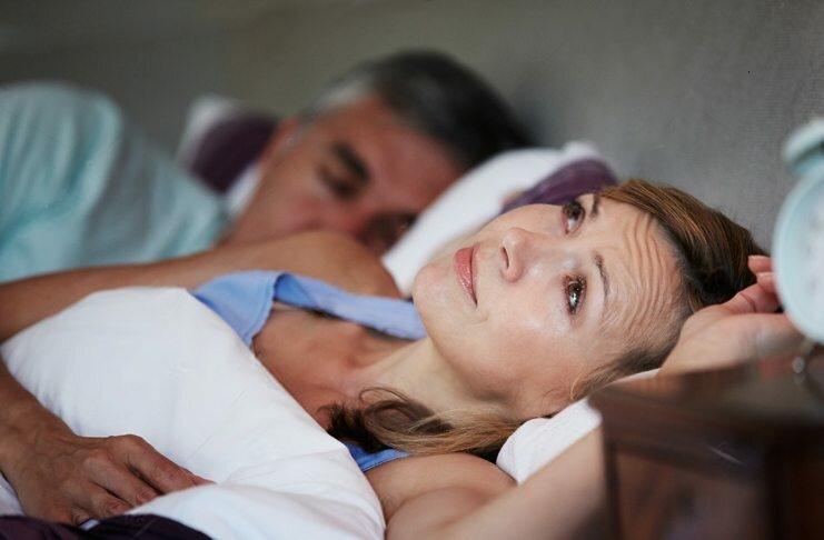 Что можно сделать при бессоннице на фоне менопаузы