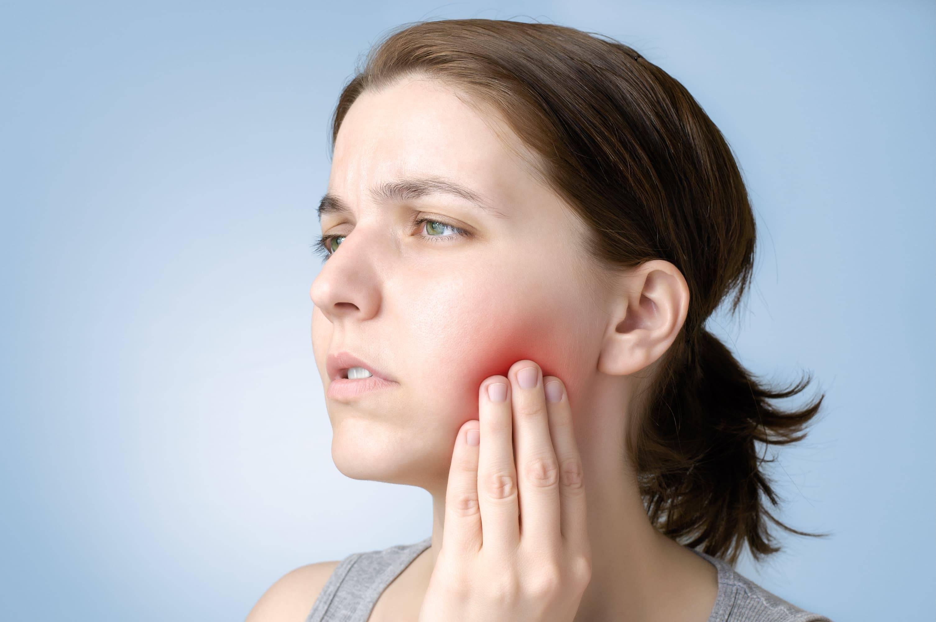 Сколько должен болеть зуб после удаления