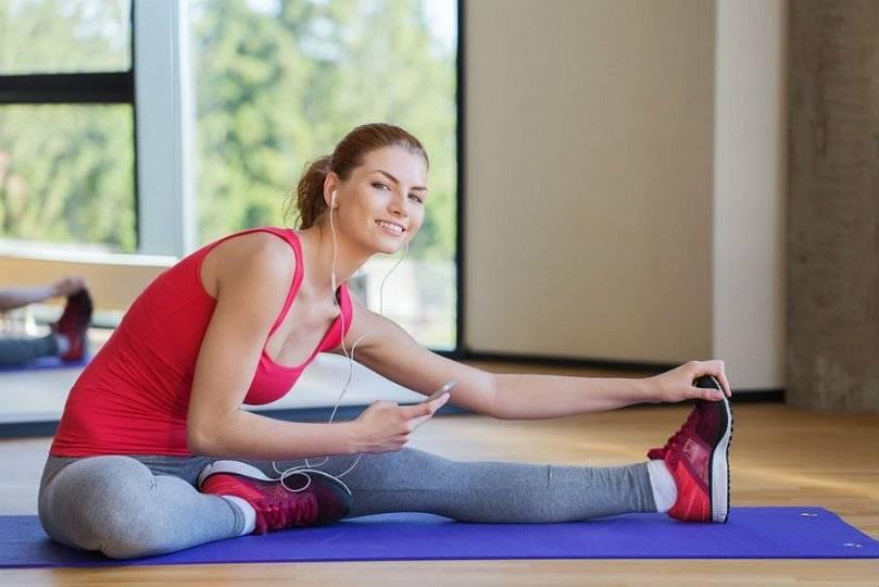 Можно ли заниматься спортом во время месячных и как делать это правильно