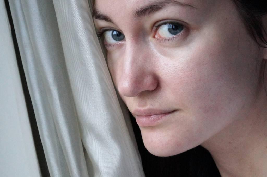 Почему лицо коричневое как загорелое. изменение цвета кожи при различных заболеваниях