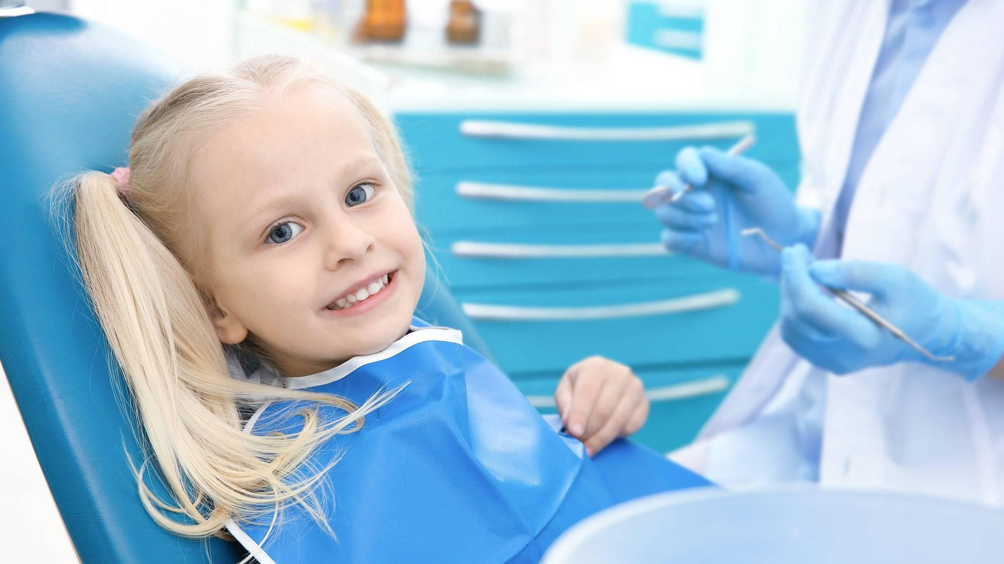 Зачем нужно посеребрение молочных зубов у ребенка: в каких случаях применяется данный метод и что говорит комаровский?