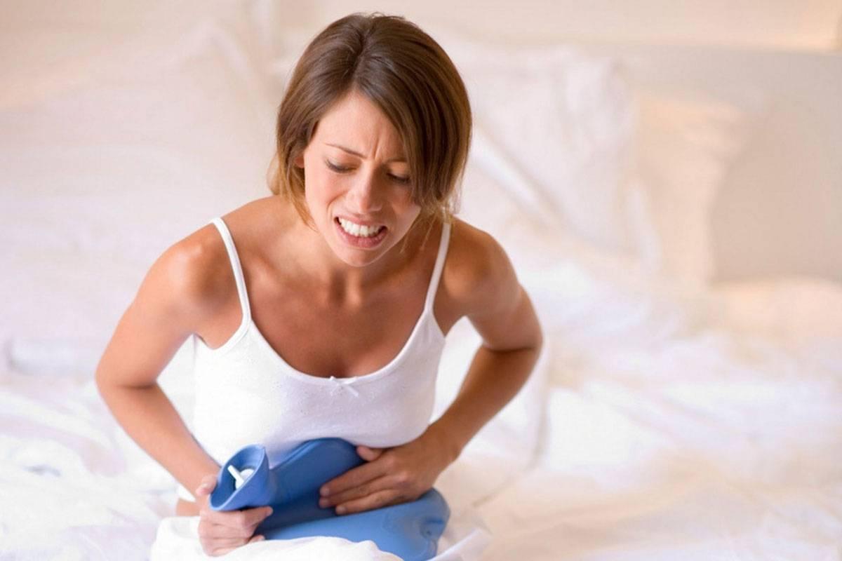 Причины появления неприятного запаха перед менструацией