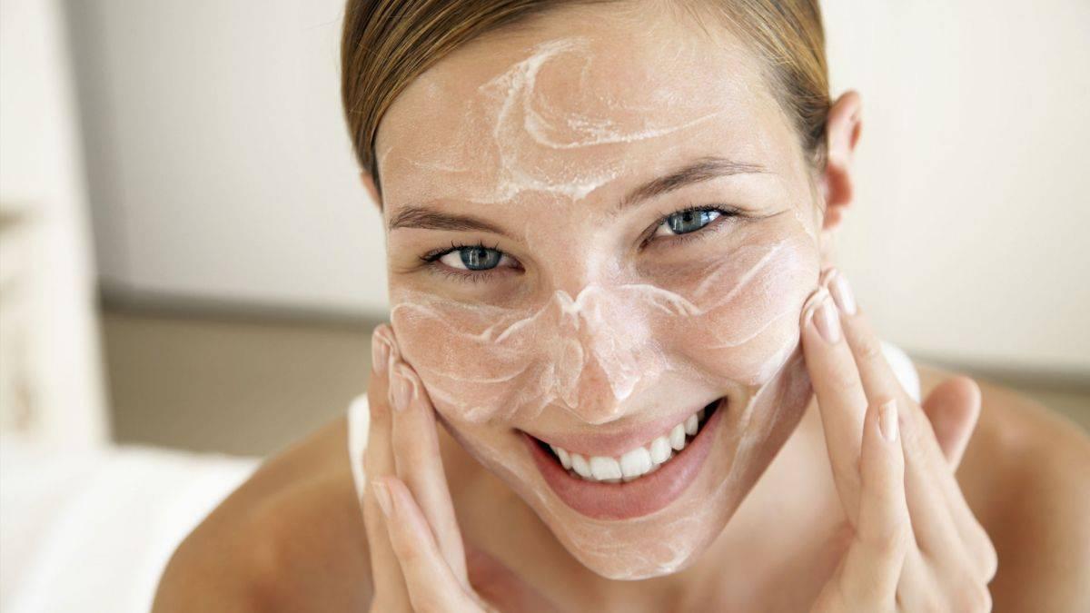 Как можно избавиться от жирного блеска на лице?