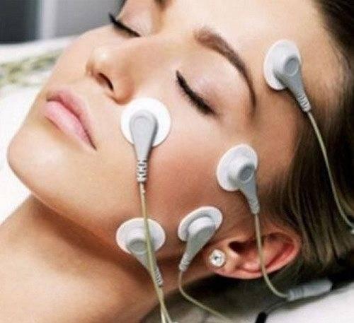 Микротоки для глаз — воздействие на кожу вокруг и мимические морщины, техника проведения и цена