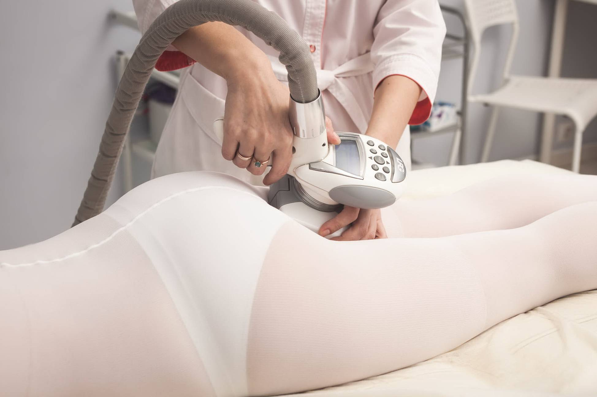 Можно ли делать антицеллюлитный массаж или нельзя при месячных?
