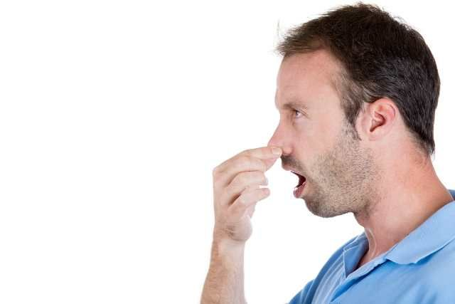 Кислый запах изо рта