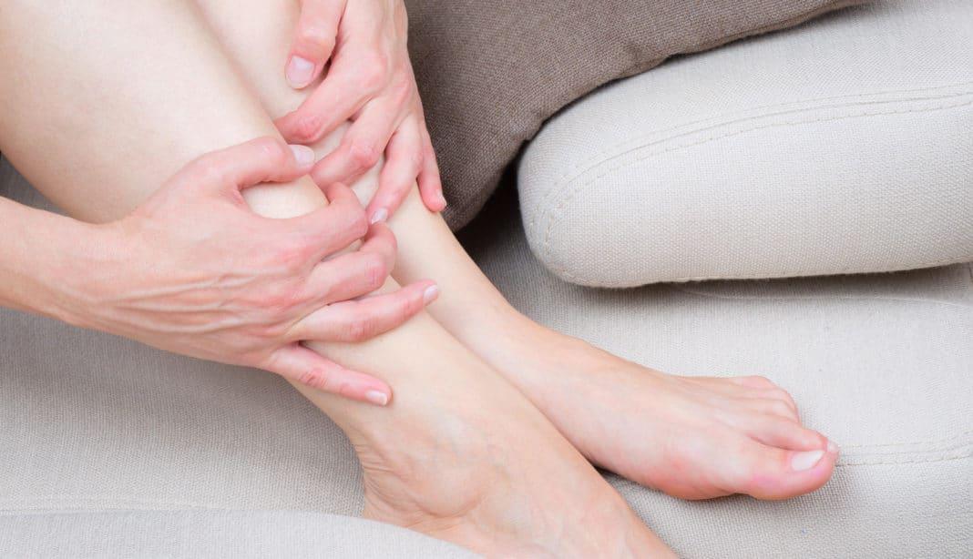 Отеки ног причины у женщин при климаксе