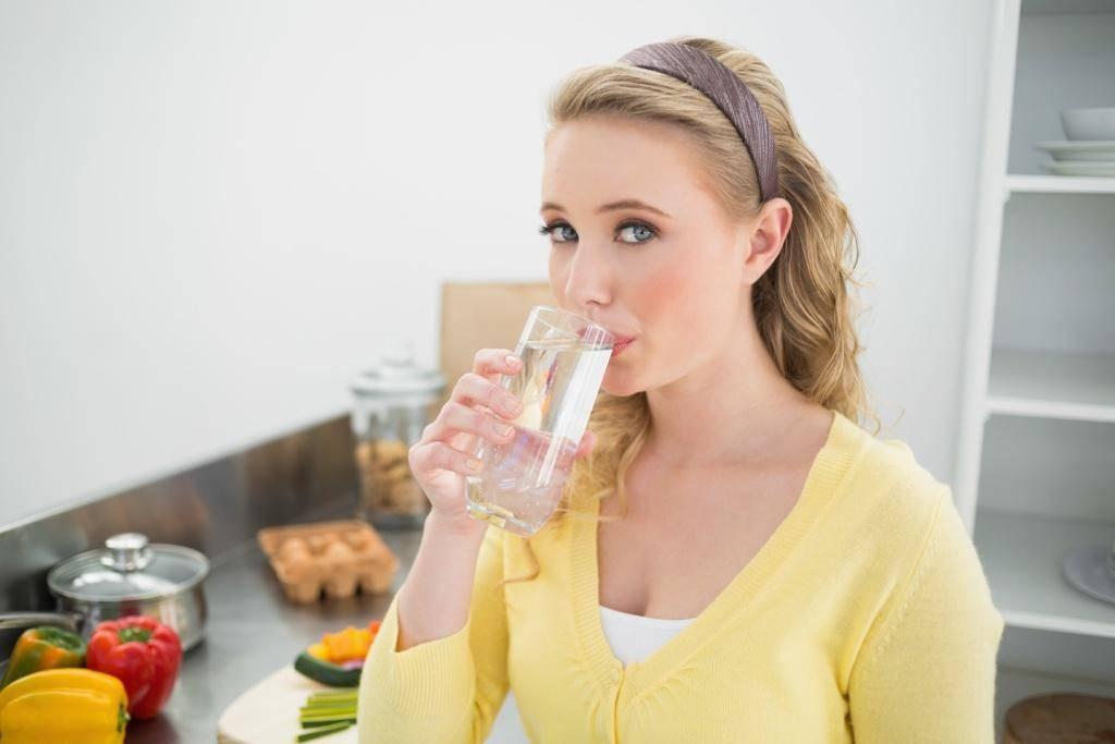 Полоскание рта маслом. отзывы, аюрведа, польза, вред подсолнечным, чайного дерева, растительным, кокосовым, побочные эффекты