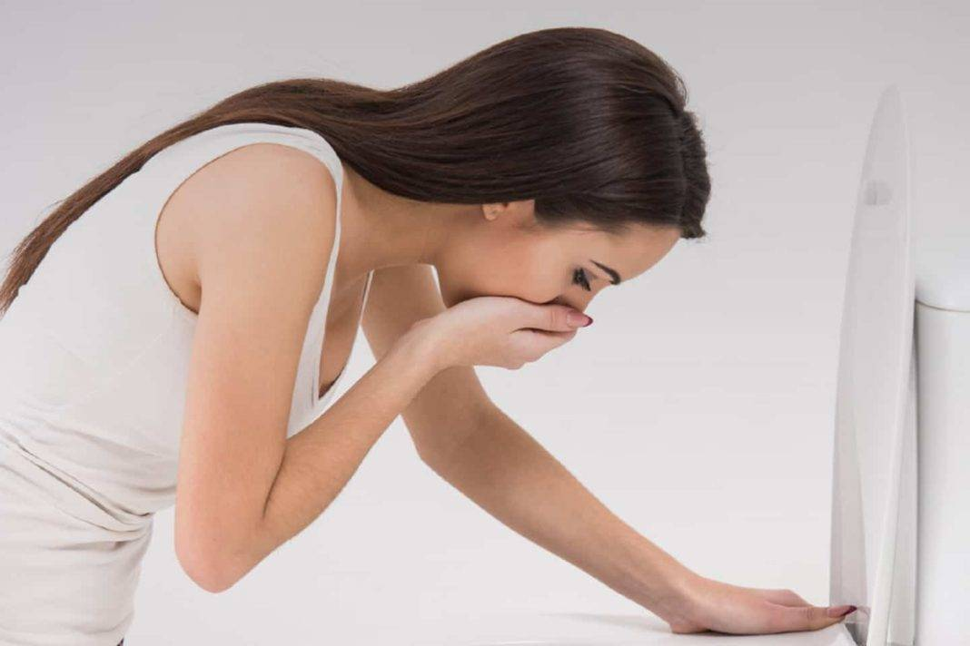 Как избавиться от боли в низу живота при месячных без таблеток в домашних условиях с помощью упражнений и трав?