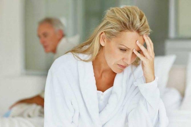 Что такое приливы при климаксе? симптомы и лечение без гормонов, ароматерапия