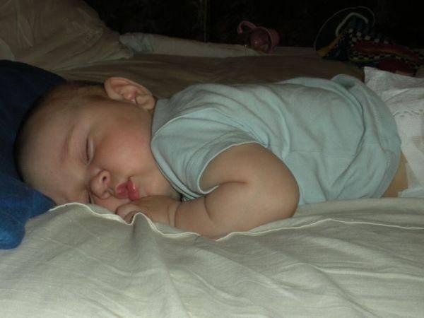 Слюна во время и после сна: причины, симптомы и решение проблемы