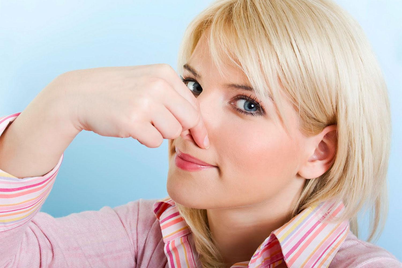 Сильный запах при месячных причины