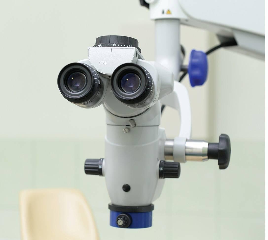 Тонкости и возможности при лечении зубов под микроскопом