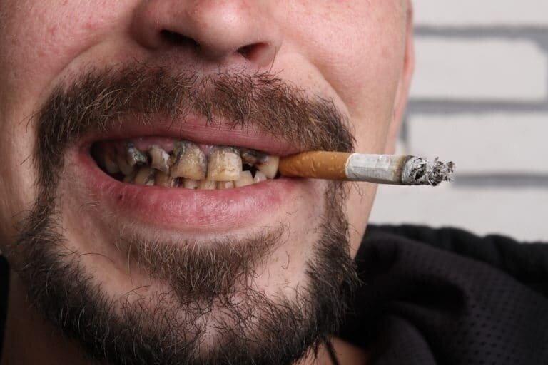 Курение при коронавирусе – надежная защита или провоцирующий осложнения фактор?