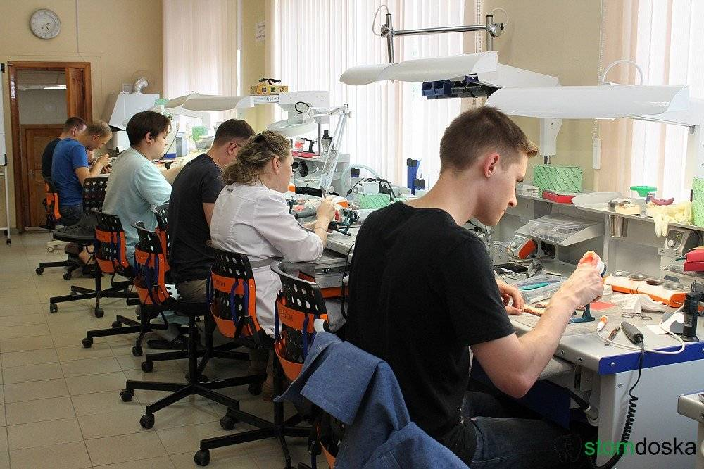Профессия зубной техник: колледжи, техникумы и училища