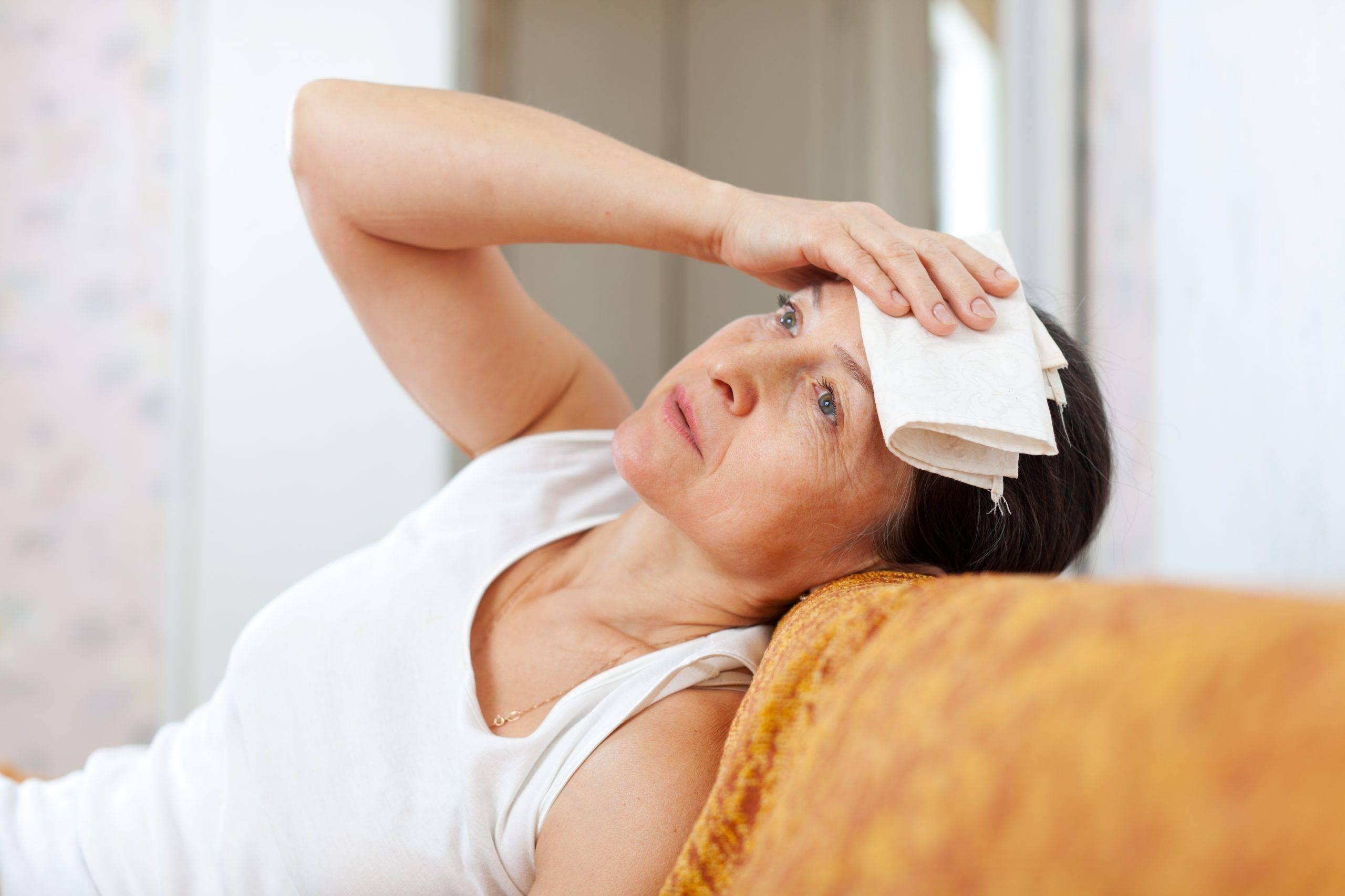 Что делать при постоянной мигрени при климаксе и как лечить?