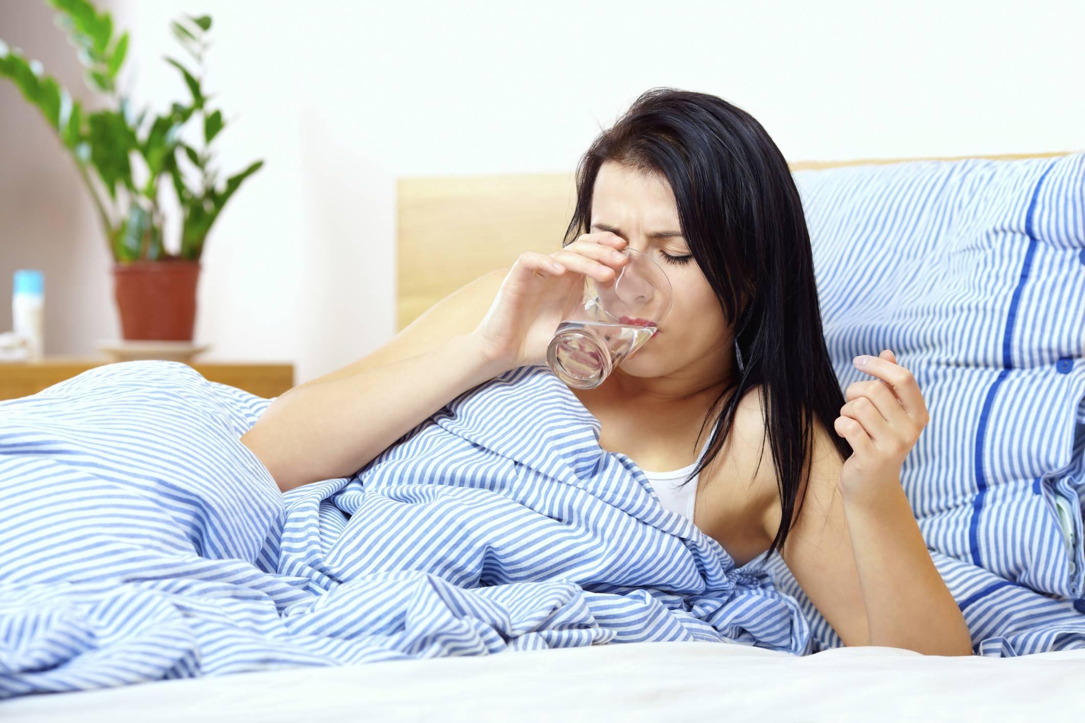 Во рту горечь и сухость: причины и лечение