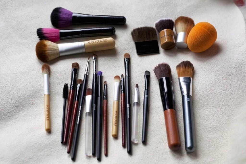 Кисти для макияжа: виды, как выбрать, пользоваться и как правильно помыть их
