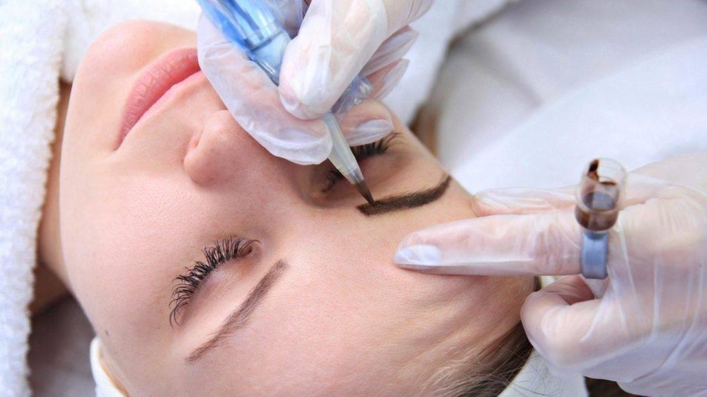 Чем отличается микроблейдинг от перманентного макияжа бровей