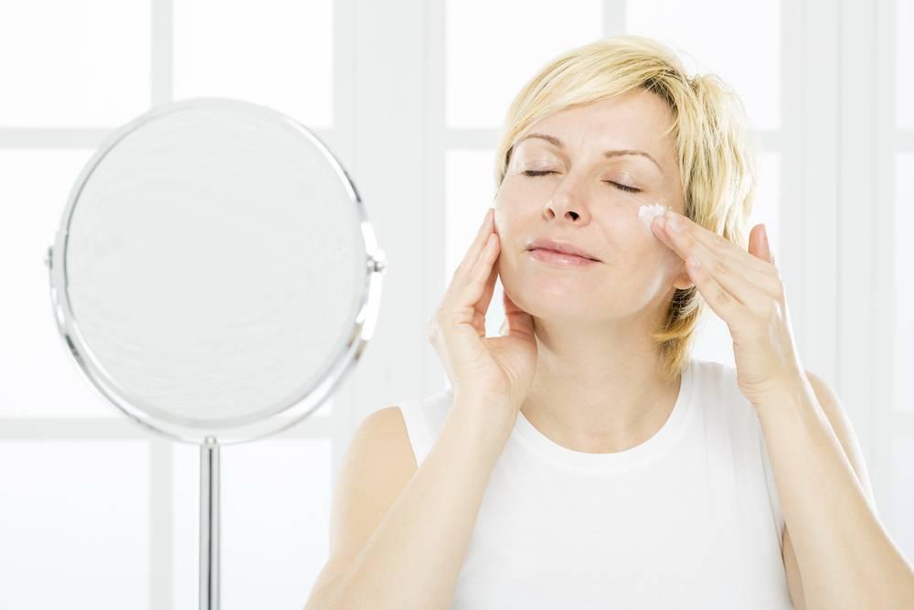 Уход за лицом после 50 лет: советы косметолога