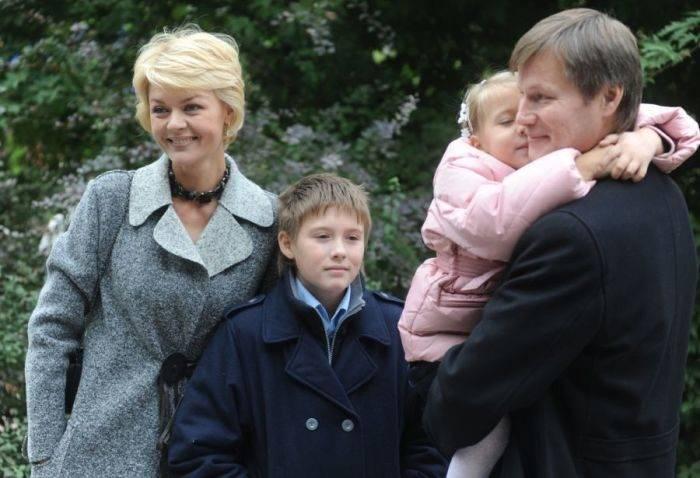 Юлия меньшова: личная жизнь, семья и дети + фото