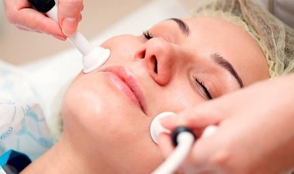 Как убирают морщины над верхней губой в косметологии?