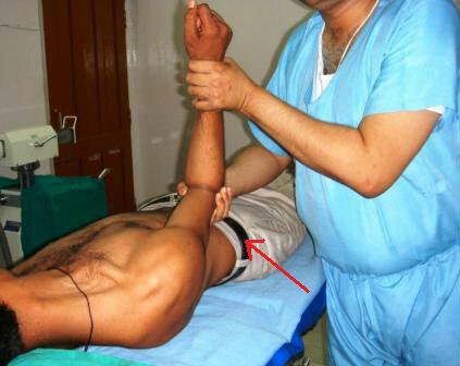 Люди которые делают операции руками. хилеры и операции руками