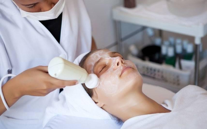 Что такое брашинг лица и для чего нужна эта процедура
