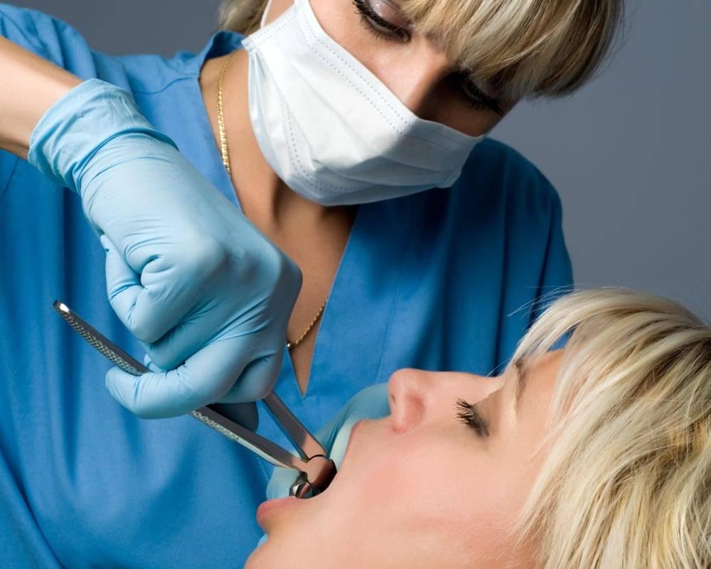 Зубной врач и стоматолог в чем отличие