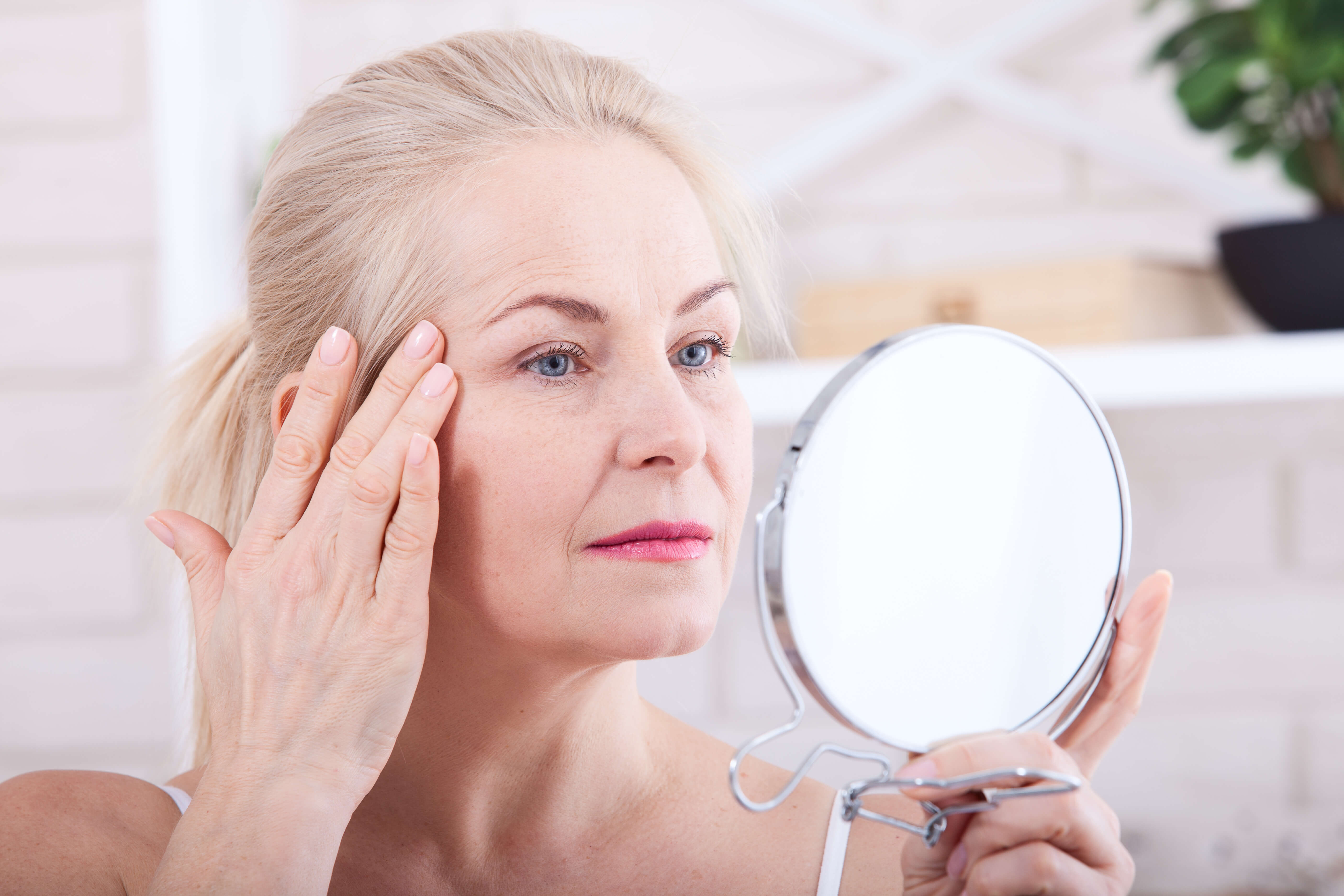 Домашние маски для лица вокруг глаз: топ лучших рецептов с лифтинг-эффектом, освежающих взгляд
