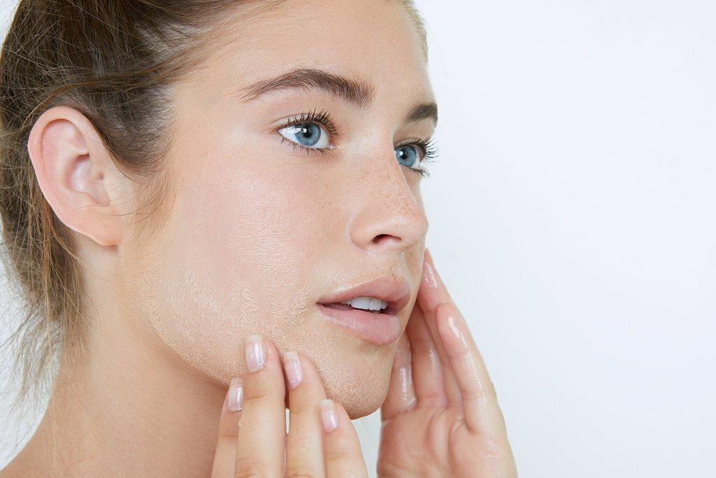 Если сильно шелушится кожа после операции чем. почему шелушится кожа? лечение шелушения кожи. причины сухости кожи