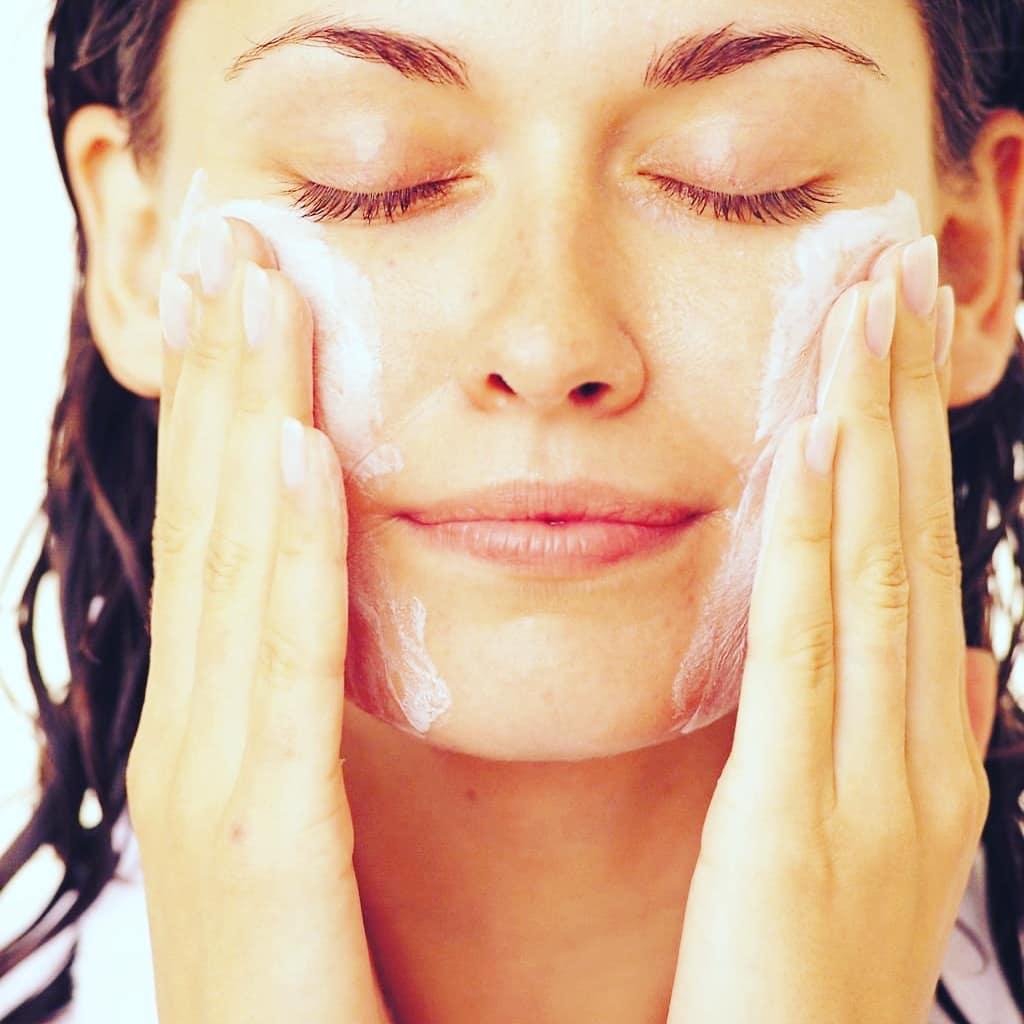 Особенности ухода за сухой кожей