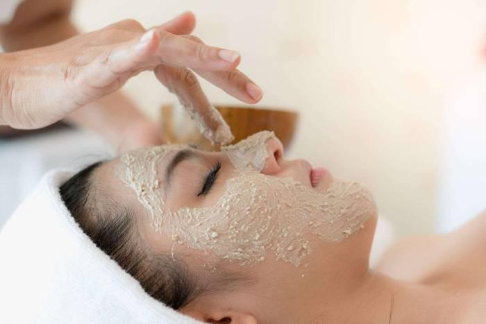 Чем отличается скраб от пилинга для лица. чем очищать кожу лучше