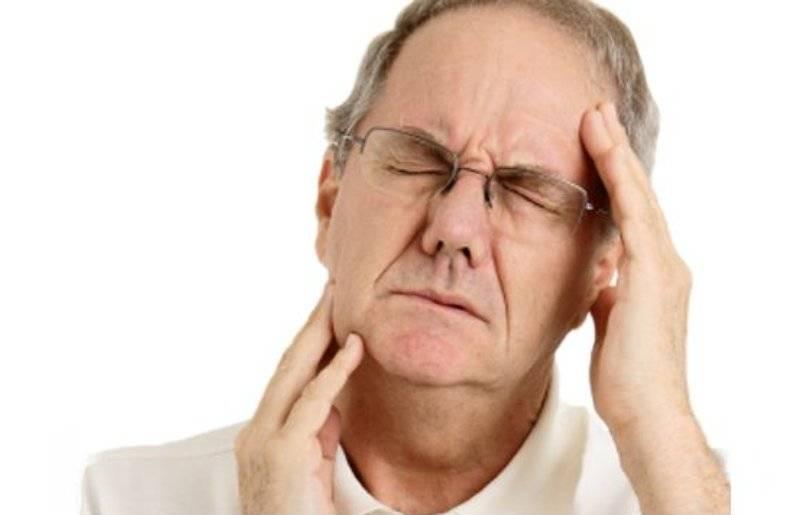 Болит челюсть возле уха при жевании: почему и что делать, причины, методы лечения