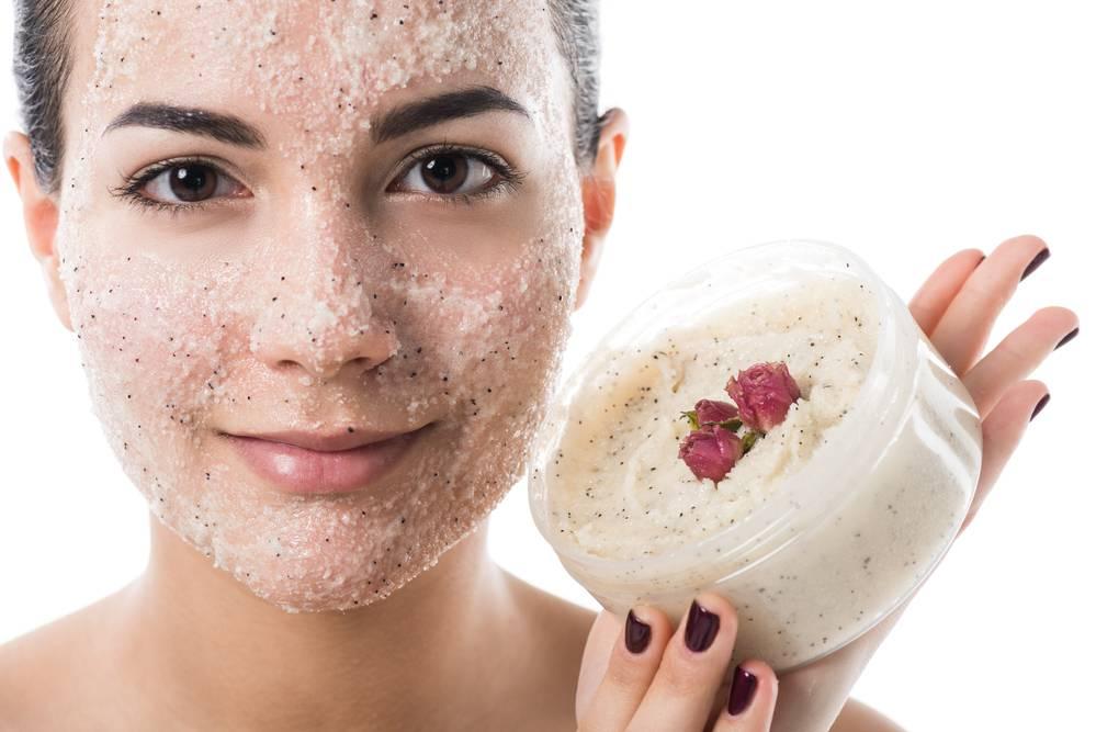 Как сделать домашний скраб для лица: 5 простых и полезных ингредиентов