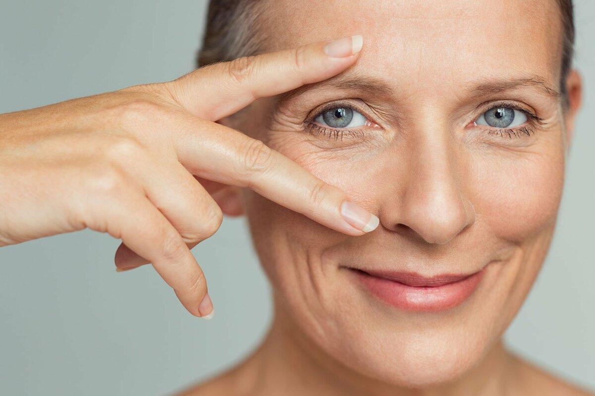 Как убрать гусиные лапки вокруг глаз — самые эффективные способы
