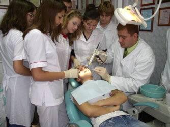 Какие предметы нужно обязательно сдавать на стоматолога