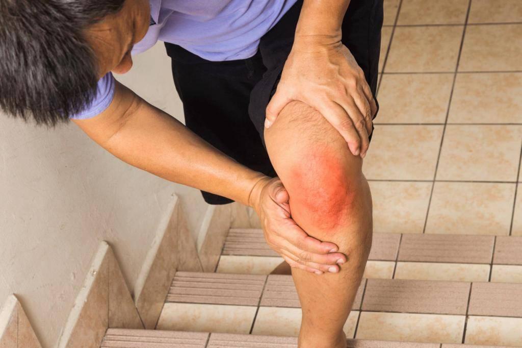 Боли в суставах при климаксе: лечение, что делать, симптомы