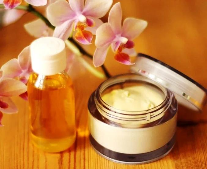 Можно ли использовать масло для лица вместо крема от морщин?
