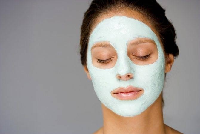 Маска из голубой глины для лица: решит многие проблемы