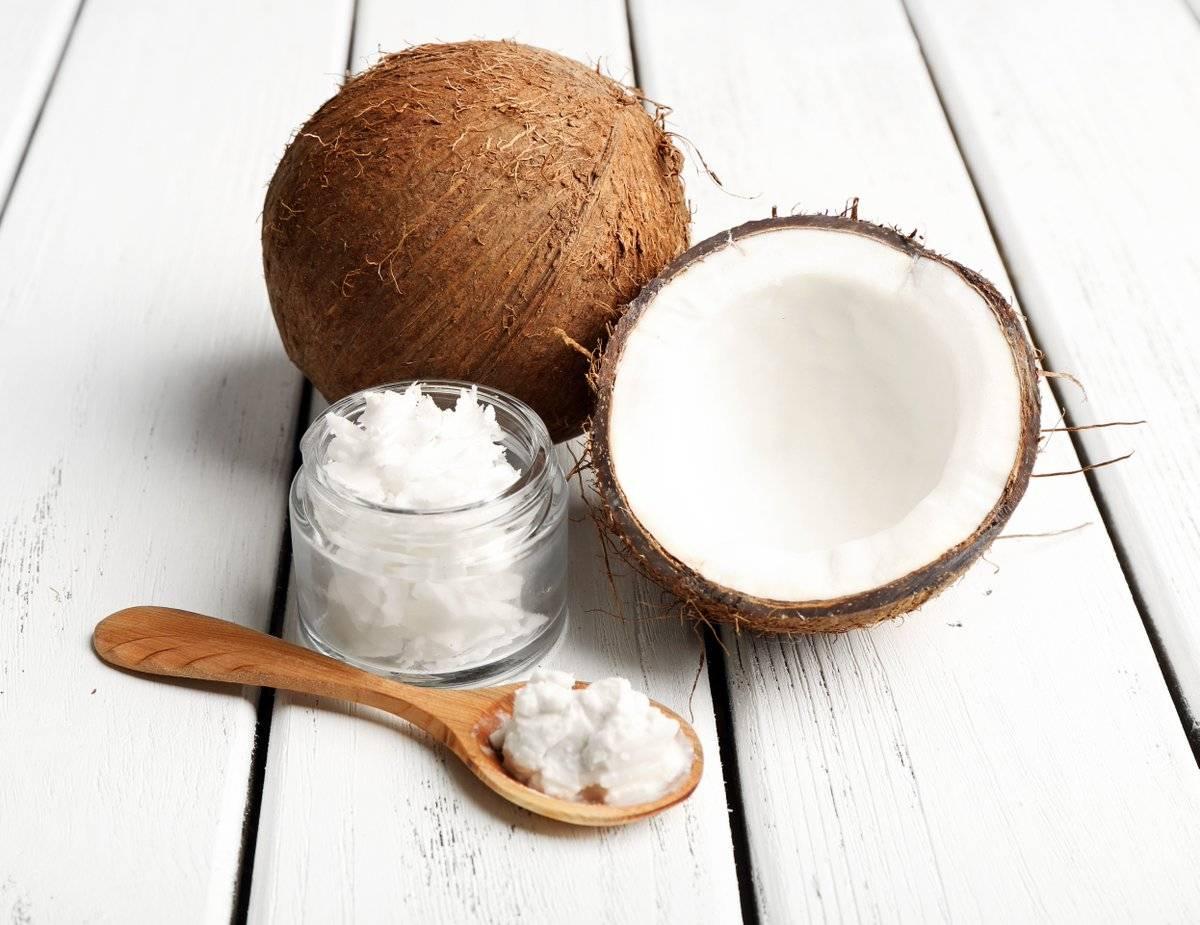 Актуальный тренд: как и зачем полоскать рот кокосовым маслом?