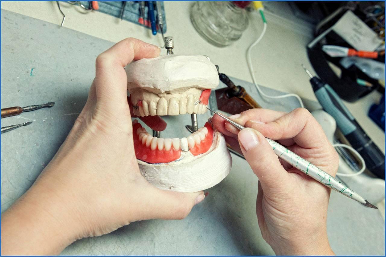 Что сдавать на зубного техника?