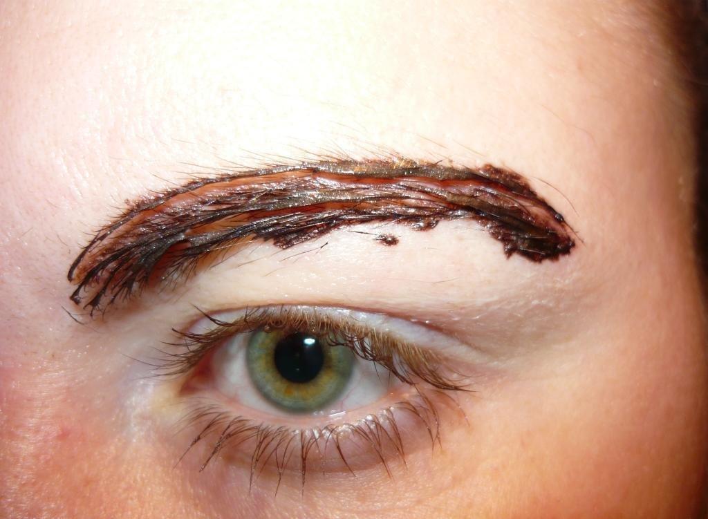 Как самостоятельно покрасить брови хной и не пожалеть?