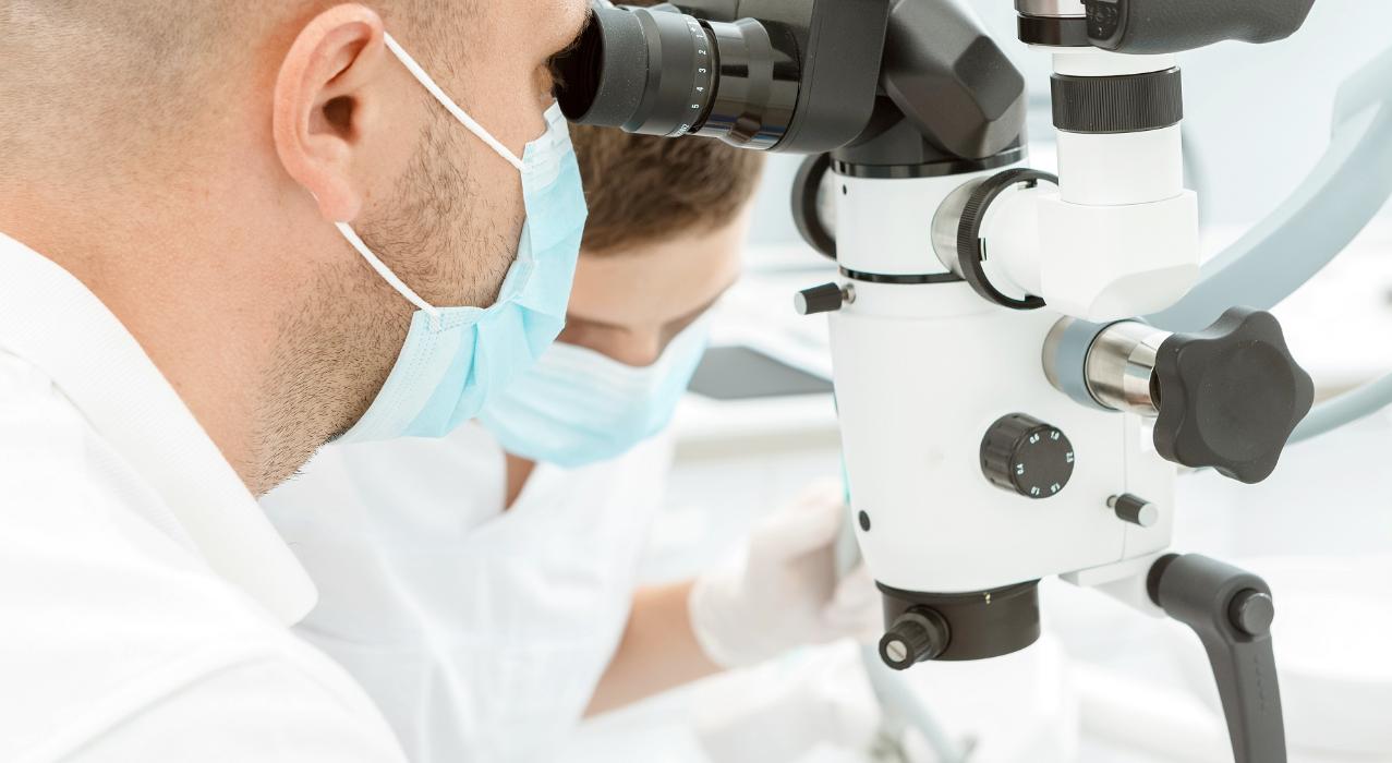 Подробно обо всех нюансах лечения зубов под микроскопом