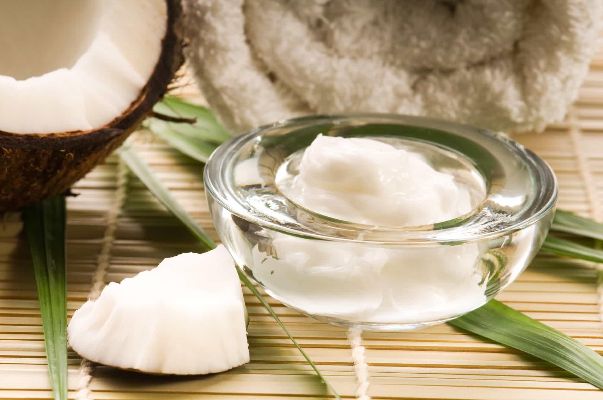 Отбеливание зубов кокосовым маслом в домашних условиях