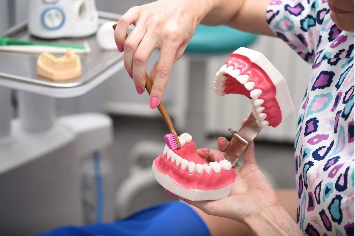 Профессиональная чистка зубов детям с какого возраста