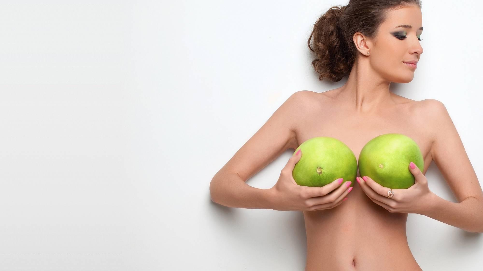Как вернуть красоту груди и сделать её упругой после кормления